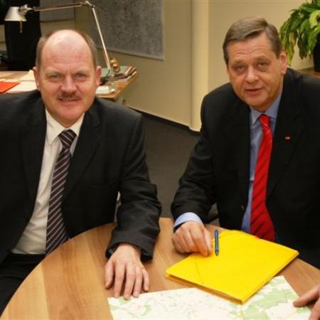Landesvorsitzender der CDU Sachsen-Anhalt und Minister Thomas Webel unmittelbar nach der Neuwahl von Peter Fernitz zum Kreisvorsitzender im Altmarkkreis Salzwedel